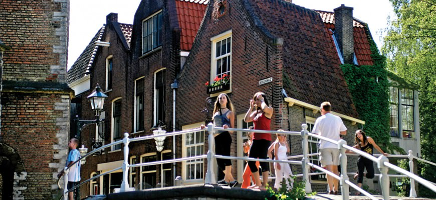 Travel to Delft in Holland